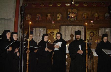 Concert de COLINDE romanesti cu MAICILE DE MANASTIREA DIACONESTI – luni, 10 decembrie 2012, Bucuresti