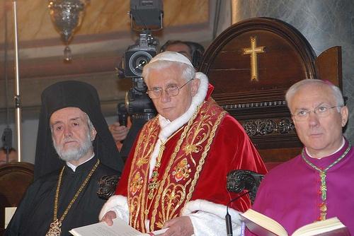 CU CE PRET NE VINDEM? Progrese in unirea cu catolicii si inglodarea in datorii a tarii (Noutati 16-17 iunie)