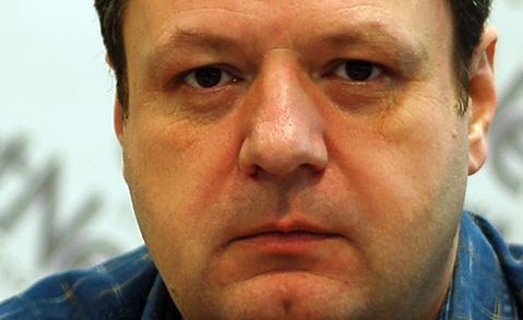 """Dr. Sorin Paveliu la Hotnews despre RISCURILE VACCINARII contra """"gripei noi"""" – DEDUBLARE? Sau adevaruri grave strecurate printre minciunile oficiale?"""