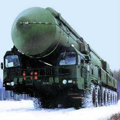 O NOUA (DEZ)ORDINE NUCLEARA?/ SUA si RUSIA suspenda Tratatul de dezarmare nucleara/ Rusia arata, din nou, cu degetul la scutul antiracheta (si) din România
