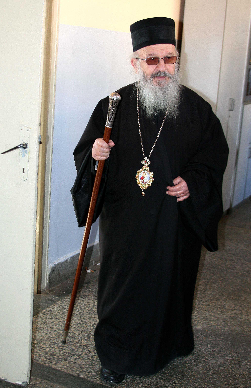 """Vladica Artemie: <i>""""Accept deciziile Sinodului Bisericii Ortodoxe Sarbe, cu toate ca nu sunt de acord cu ele""""</i>"""