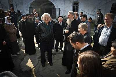 LUMEA LUI DUMNEZEU, LUMEA MARTIRILOR SI LUMEA BRUTALITATII (<i>Stiri si recomandari religioase 10-19 februarie 2011</i>)