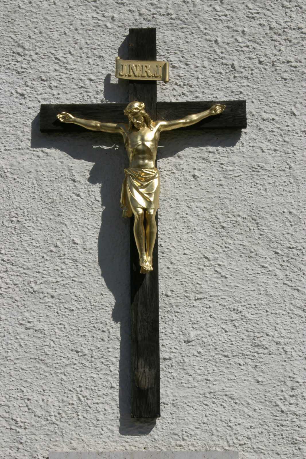 """CEDO <i>ingaduie</i> crucifixul in scoli, considerand ca expunerea """"pasiva"""" a unui simbol religios nu este indoctrinare. CE SE INTAMPLA IN CAZUL EXPUNERII """"ACTIVE""""?"""
