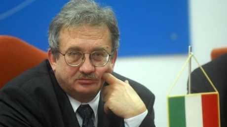 """Ministrul Baconschi se roaga de autoritatile Ungariei sa se delimiteze de adaugirile revizioniste ale… sotiei ambasadorului maghiar din Romania, """"acarul Paun"""" al scandalului"""