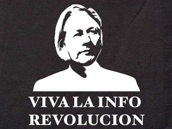 """Julian Assange (WIKILEAKS) ridica steagul revoltelor si in Balcani, punandu-se in fruntea luptei contra """"totalitarismului digital transnational"""""""