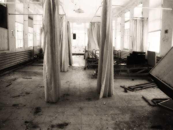 EXODUL MEDICILOR CONTINUA: Peste o mie de medici au plecat din Romania in primele patru luni din 2011