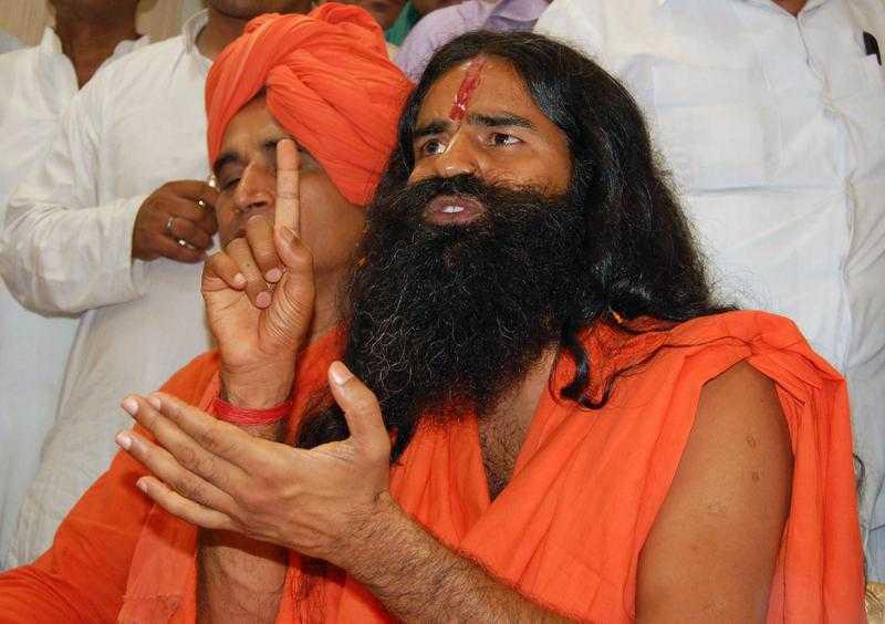REVOLUTIE SI IN INDIA: gurul carismatic Baba Ramdev lupta impotriva coruptiei. IN SIRIA, AUTORITATILE TAIE INTERNETUL si conexiunile pentru telefonia mobila, provocand protestele SUA