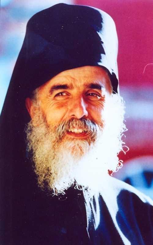 <b>13 ani de la fericita adormire a PARINTELUI ISAAC LIBANEZUL</b>, ucenicul si biograful Cuviosului Paisie Aghioritul (12 aprilie 1937 – 16 iulie 1998)