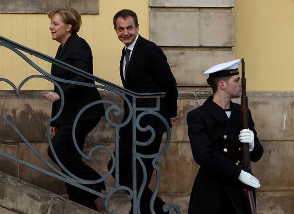 "NOUA ORDINE SI DISCIPLINA EUROPEANA: ""Merkozy"" (Merkel + Sarkozy) a dispus, Spania a executat MODIFICAREA CONSTITUTIEI"
