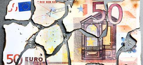 <b>Panica in SUA, unde bursa din New York SE PRABUSESTE/ Bursele pe ROSU, CRIZA DATORIILOR depaseste granita ZONEI EURO</b>/ Japonia si China fac apel la COOPERARE INTERNATIONALA/ Mai multa PUTERE pentru FMI pentru mai putini bani
