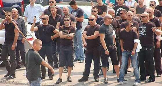 NOUA DEZORDINE SOCIALA. E si oficial: CRESTE MAREA VIOLENTA. <b>Romania, tara clanurilor si smecherilor care au preluat controlul strazilor</b>