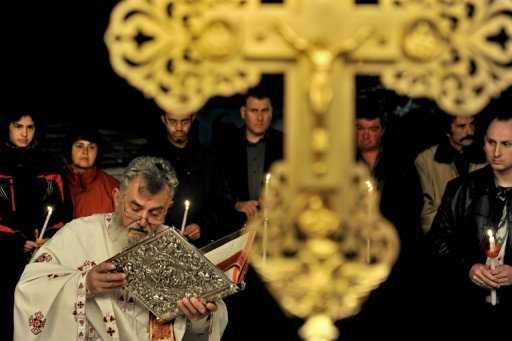 Sub pretextul crizei grecesti, dusmanii seculari ai lui Hristos arata cu degetul spre… AVERILE BISERICII ORTODOXE DIN GRECIA