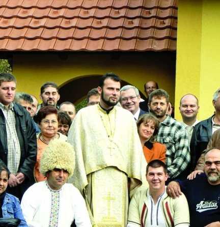 PARINTELE BOJAN ALEXANDROVIC si bisericile-garaj pentru românii din Valea Timocului (Video)/ Flash mob intr-un mall: ASTAZI S-A NASCUT HRISTOS (Video)