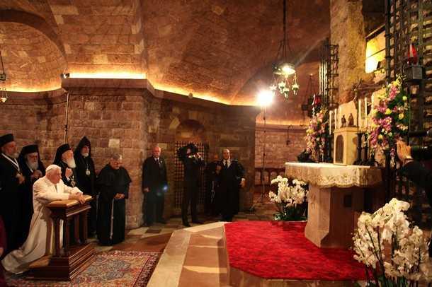"ASSISI 2011: rugaciuni comune, ""reflectii"" gaunoase si imbratisari cu toti paganii si ereticii (FOTO SI VIDEO)"