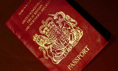 Marea Britanie modifica pasapoartele la presiunea lobby-ului homosexual. LA <i>PARINTI</i> SE VOR SCOATE CUVINTELE <i>TATA</i> SI <i>MAMA…</i>