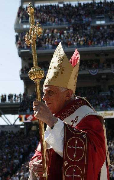 """2012: DECLARAT ANUL CREDINTEI LA CATOLICI. Ce """"praznuieste"""" PAPA, ce a insemnat CONCILIUL VATICAN II?"""