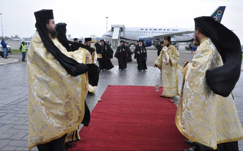 PROGRAMUL SARBATORII CUVIOSULUI DIMITRIE CEL NOU BASARABOV, 2011. Cinstitul Cap al Sfantului Apostol Andrei la Bucuresti, Sibiu si Alba-Iulia (VIDEO)