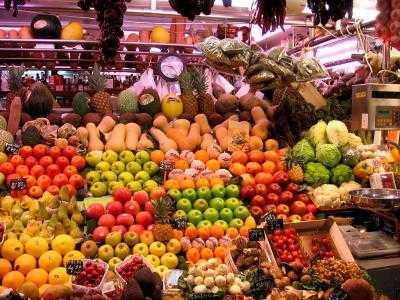 """Fructe si legume IRADIATE, INJECTATE CU PESTICIDE SI ALTE OTRAVURI. Iata mancarea """"naturala"""" si """"sanatoasa"""" pe care o dam zilnic si copiilor nostri…"""