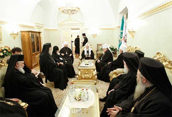 Ziua Patriarhului Kirill si <b>subiectul SINODULUI PANORTODOX: SE IA ANGAJAMENTUL RESPECTARII SFINTEI TRADITII</b>/ Dialogul ortodox-catolic si PROBLEMA UNIATIEI/ <b>Obama multumeste NOROCULUI, iar nu lui Dumnezeu</b>, pentru prima data, in discursul de Thanksgiving (<i>Stiri religioase</i>)