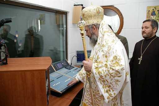 AGENDA DIGITALA 2020. Oficial din Ministerul Comunicatiilor: <b>PATRIARHIA ROMANA S-A ANGAJAT SA PROPOVADUIASCA TARII DIGITALIZAREA! Preotii de tara vor predica despre avantajele internetului…</b>