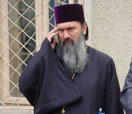 IPS TEODOSIE, Arhiepiscopul Tomisului – URMARIT PENAL DE DNA. Cazul e vechi, din 2009, insa REDESCHIS imediat dupa vizita IPS Serafim de Pireu la Constanta, la invitatia sa…