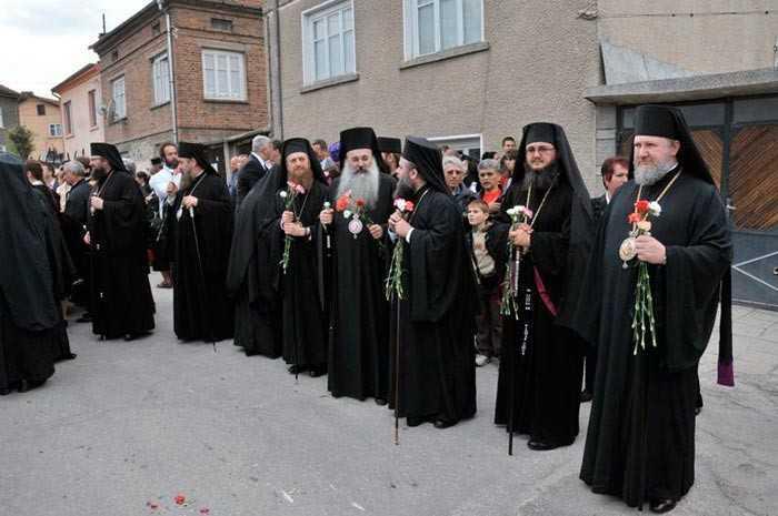 Biserica Ortodoxa din Bulgaria atacata cu pretextul DECONSPIRARII SECURITATII COMUNISTE