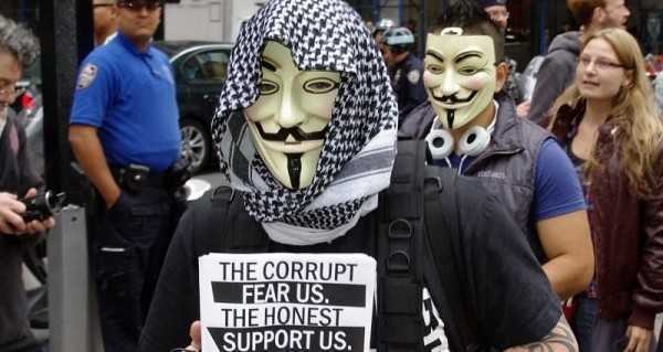 ANONYMOUS contribuie la confiscarea protestelor pe directia antisistem tip OCCUPY (VIDEO)