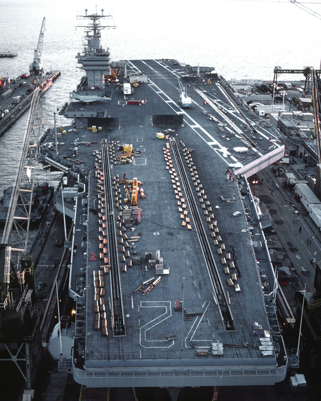 SUA trimite un portavion in stramtoarea ORMUZ, UE decide aplicarea SANCTIUNILOR FARA PRECEDENT. Cum va raspunde Iranul?