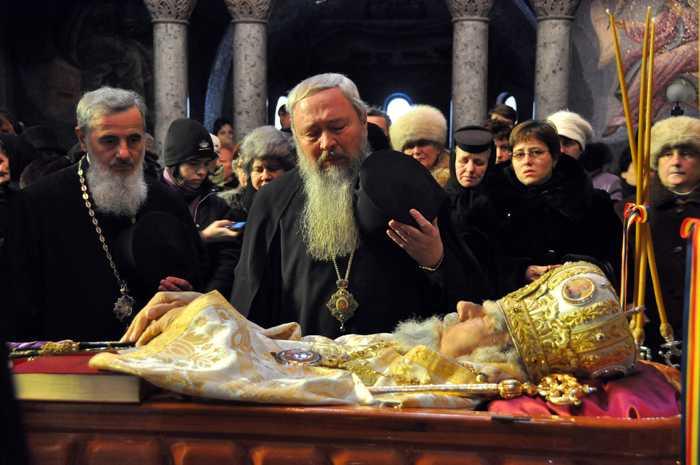 IPS Andrei la 1 an de la fericita adormire a Vladicai Bartolomeu: <i>CAND APARA O CAUZA, O APARA PANA LA CAPAT, CU ORICE RISC</i>