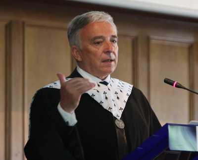 <b>Mugur Isarescu: 2012, anul MARILOR TRANSFORMARI</b>. Guvernatorul BNR: am lucrat bine cu Mihai Razvan Ungureanu/ Cerintele FMI ne afunda definitiv/ <b>Grecia, spre un EXIT EURO?</b>