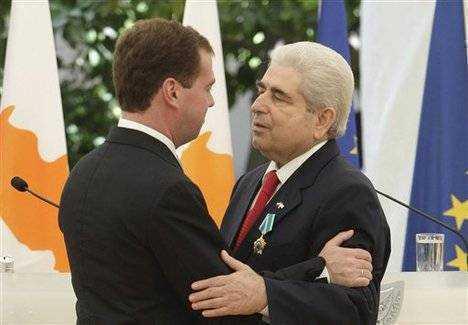 Rusia si interesele sale din Cipru/ ISRAEL vrea BAZA MILITARA pe insula/ Grecia ridica GARD DE SARMA GHIMPATA la granita cu Turcia