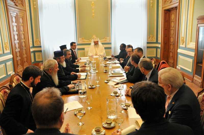 """Patriarhul Daniel reia """"dialogul"""" cu GRECO-CATOLICII, sub supravegherea …ambasadorului SUA, Mark Gitenstein, si a Nuntiului Apostolic"""