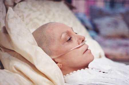 Guvernul scoate bani din FONDUL DE REZERVA pentru morfina bolnavilor de cancer. Au sanse doar cei care isi pot striga DUREREA la televizor?