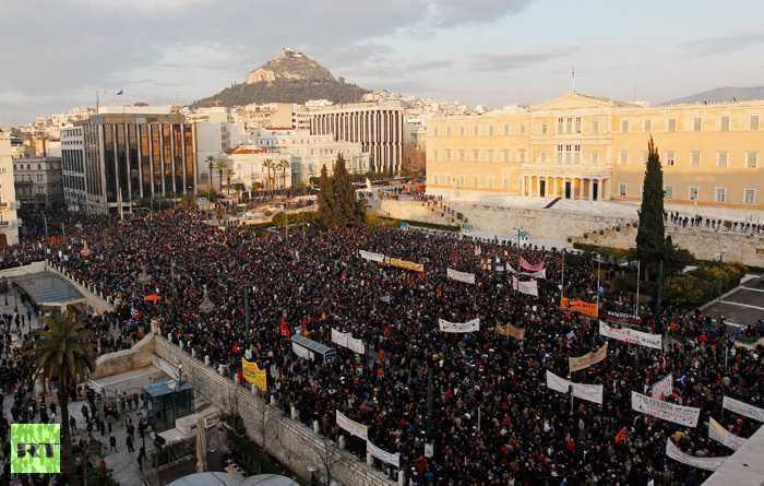 REVOLTELE ZGUDUIE GRECIA: zeci de mii de oameni la Atena, centrul orasului in FLACARI (VIDEO/FOTO)