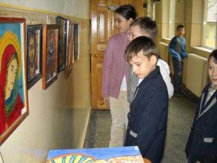ASUR, Cristian Parvulescu si o serie de ONG-uri ATACA ORA DE RELIGIE SI ICOANELE DIN SCOLI