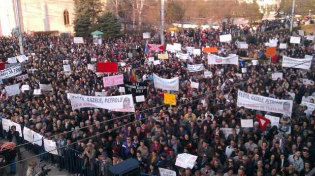 Proclamaţia de la Bârlad. Mii de oameni au cerut blocarea exploatării gazelor de şist
