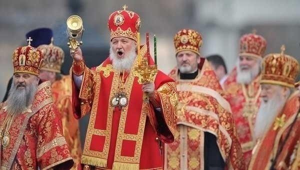 DEMONSTRATIE DE FORTA A BISERICII RUSE: 65.000 de oameni au participat la RUGACIUNEA PENTRU APARAREA CREDINTEI din Moscova (VIDEO)