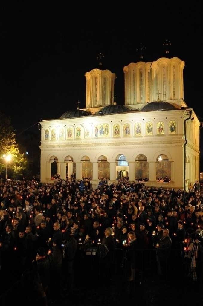 noaptea-inviere-Paste-2012-catedrala-patriarhala