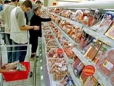 SCANDALUL DUBLELOR STANDARDE DE CALITATE. Mai multe produse alimentare de supermarket sunt INFERIOARE CALITATIV. Autoritatile române NU au facut publice numele producatorilor, spre deosebire de cele ungare