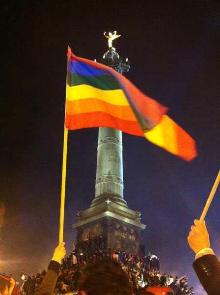 <b>Agenda agresiva a lui Francois Hollande, presedintele Frantei: SECULARISM SI CASATORII HOMOSEXUALE</b>/ MOSCOVA INTERZICE PARADA GAY in ciuda eurocratilor/ BISERICA BULGARIEI protesteaza fata de concertul satanistei LADY GAGA. Asteptam si Biserica Ortodoxa Romana… <i>(Stiri familie)</i>