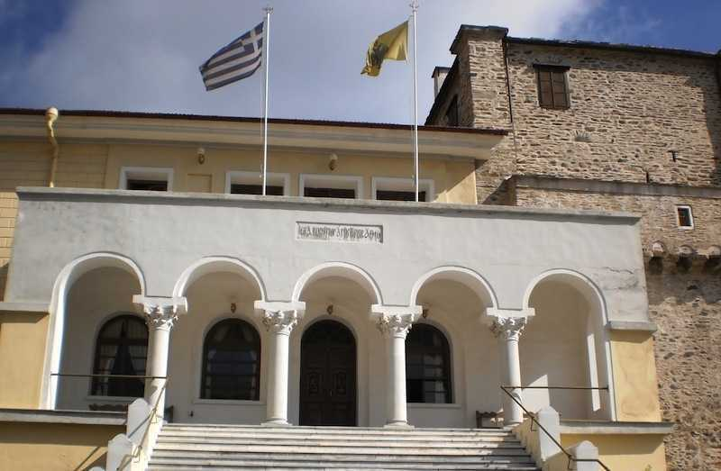 Muntele Athos dezminte intentia de a rupe relatiile cu Grecia si cere respectarea statutului sau fiscal