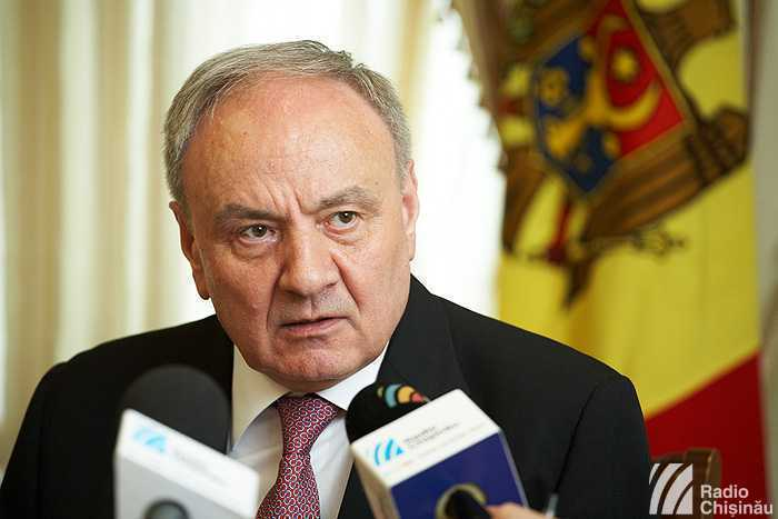 "Presedintele Nicolae Timofti: TRUPELE RUSESTI din Transnistria reprezinta un PERICOL MAJOR. Liderul moldovean viziteaza Romania, pe care o considera <i>""cea mai apropiata tara""</i> de Moldova, dar sustine si adoptarea LEGII DISCRIMINARII"