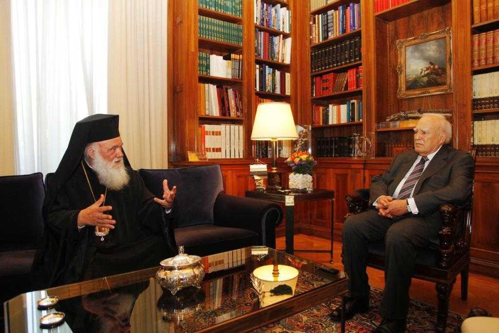 Arhiepiscopul Ieronim l-a informat pe presedintele Greciei asupra vizitei la Moscova. Papoulias: <i>PUTIN E UN PRIETEN RECUNOSCUT AL GRECIEI</i>