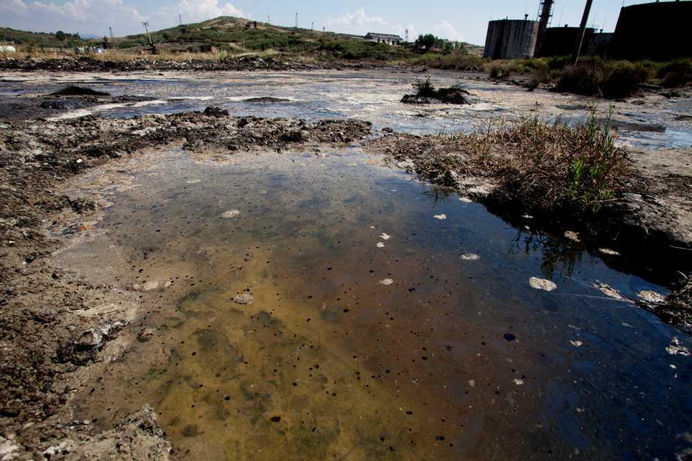 EXPLOATARE FARA MILA: o companie petroliera extrage prin metode care induc CUTREMURE depozite de titei si gaze din sudul Albaniei