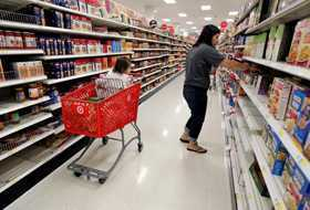 Guvernul a inlaturat ultimele RESTRICTII din calea supermarketurilor, la PRESIUNEA Comisiei Europene si a FMI