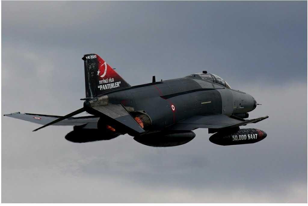 TENSIUNI INTRE TURCIA SI SIRIA: avion al aviatiei turcesti doborat pentru violarea spatiului aerian al Damascului