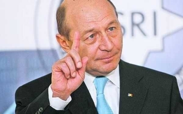 """BOICOTUL, DIKTATUL SI DECONTUL/ Adevarata fata a """"anticomunistului"""" Basescu: MOSTENITORUL SECURITATII SI RETEAUA SUBTERANA DE ALIMENTARE A PROPAGANDEI <i>(Articolele saptamanii dinaintea REFERENDUMULUI)</i>"""