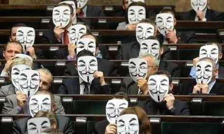 Parlamentul European A VOTAT IMPOTRIVA ACTA. Comisia Europeana nu renunta insa la proiect