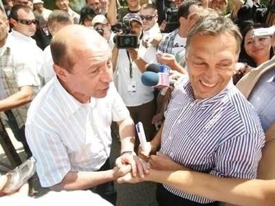 <b>ANTI-ROMANII Viktor ORBAN si Laszlo TOKES il sustin cu disperare pe Traian Basescu si incita la BOICOTAREA REFERENDUMULUI</b>. Premierul Ungariei se gandeste la un SISTEM CARE SA INLOCUIASCA DEMOCRATIA! Basescu il aplica deja