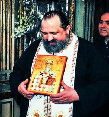 """<b>Gandurile unui preot ortodox catre Traian Basescu inainte de referendum</b>: <i>""""NU NE MAI ARUNCATI INTR-O ALTA NOAPTE NEAGRA! NU VA MAI LUPTATI CU POPORUL ROMAN!""""</i>"""